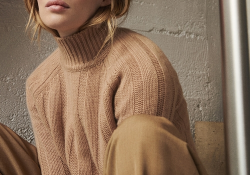 [FROM FUTURE]Ribbed Mock-Neck_CAMEL